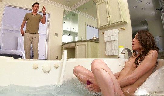 Порнушка смотреть онлайн в ванной