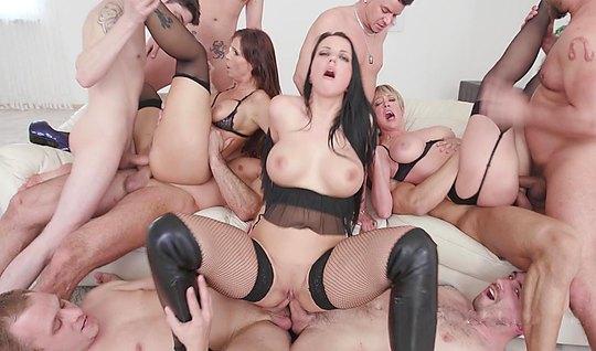 Смотреть порно оргии hd